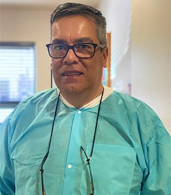 Dr. Alvaro Valencia